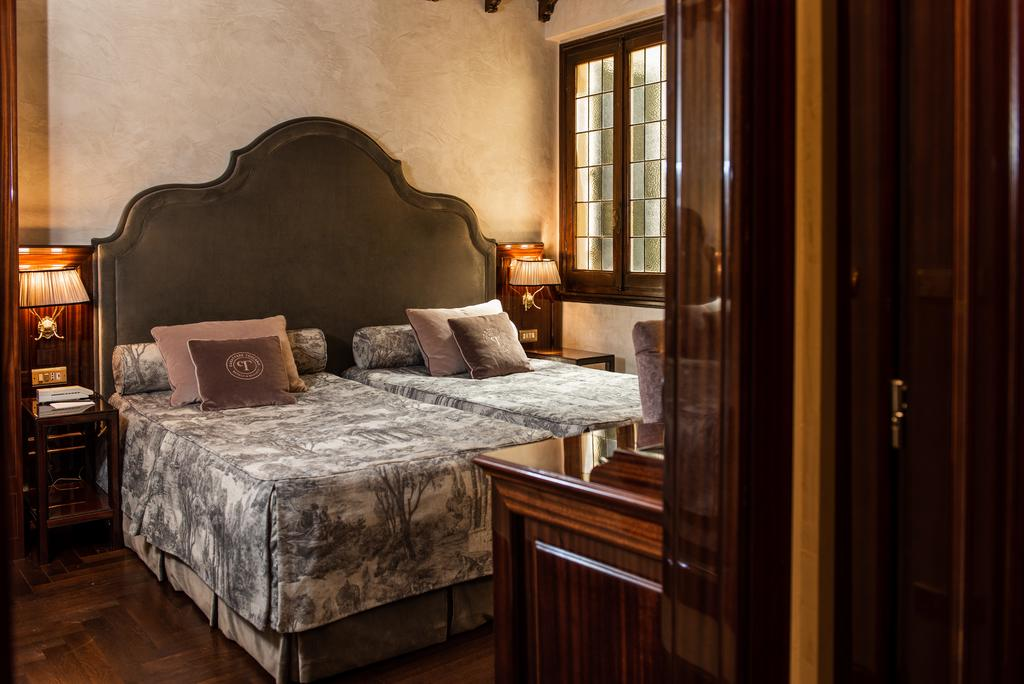 4 star hotels in florence italy